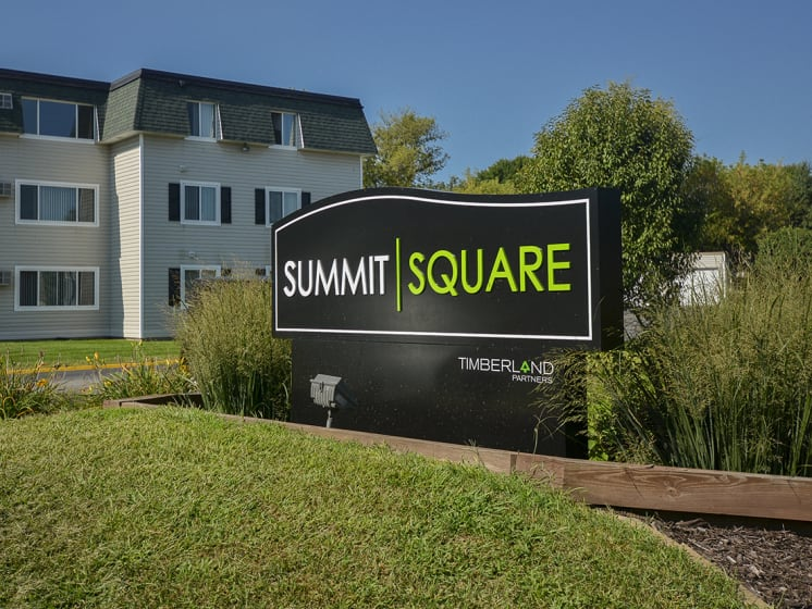 Summit Square Monument Sign