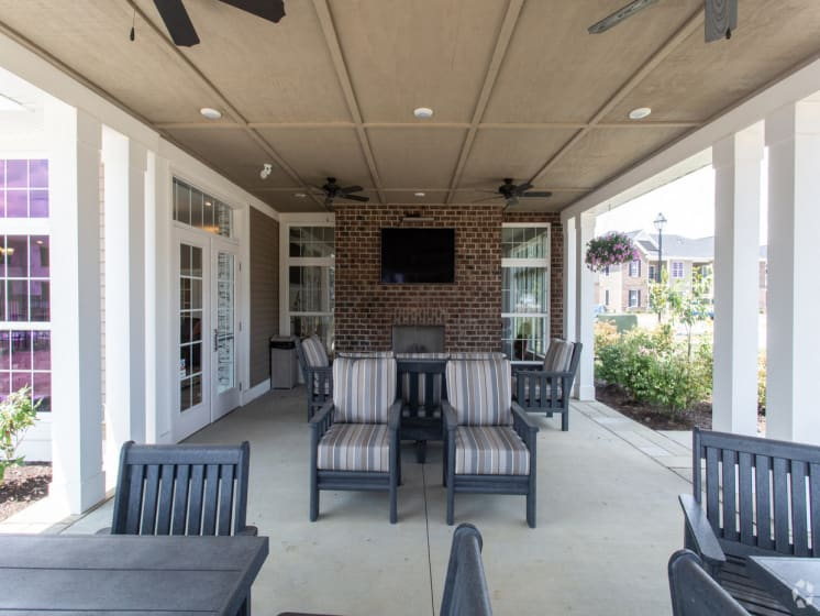Relax in the outdoor Lounge!