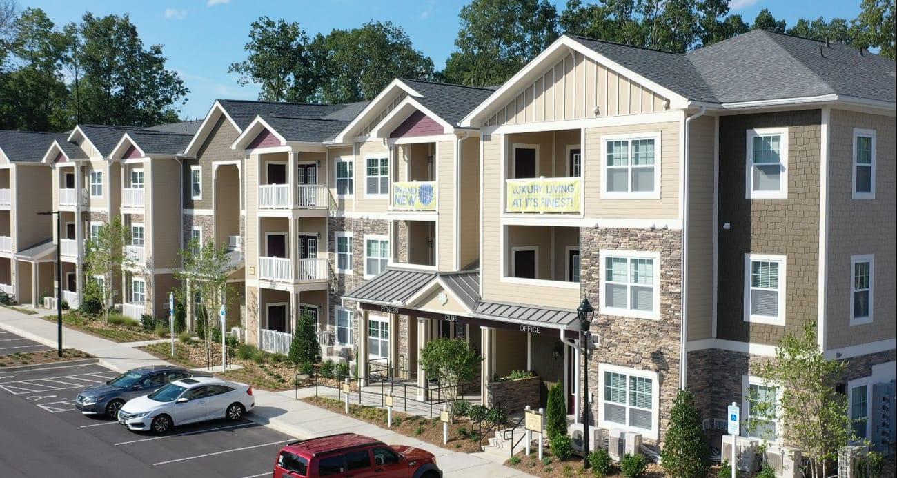 exterior of apartment building | Villas at Mallard Creek