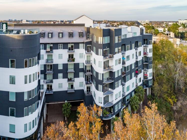 exterior apartments in downtown houston
