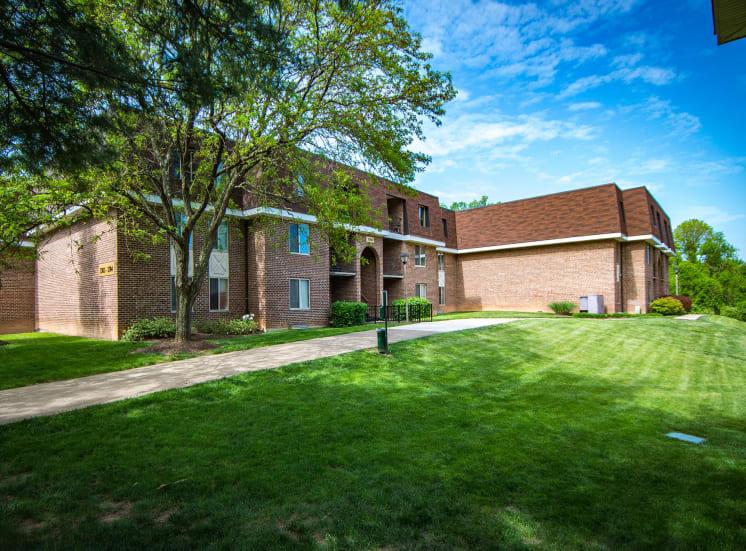 Oakton Park Apartments Building Exterior 38