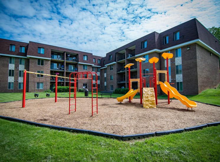 Oakton Park Apartments Playground 02