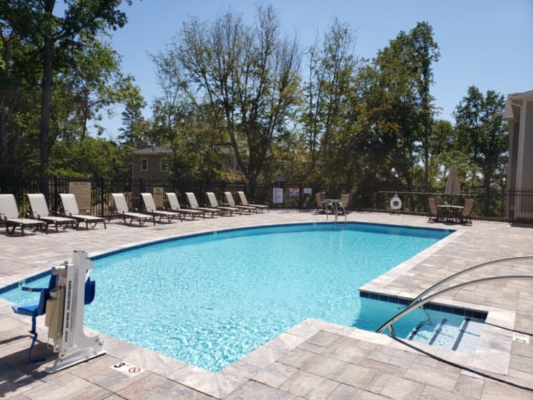 pool with handicap accessible lift