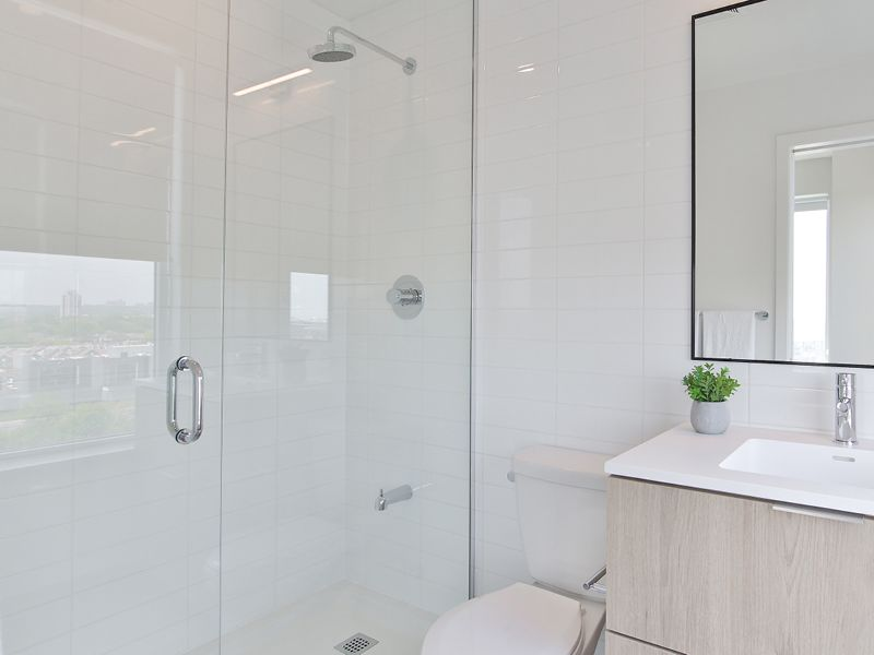 Deep soaker tubs and glass showers