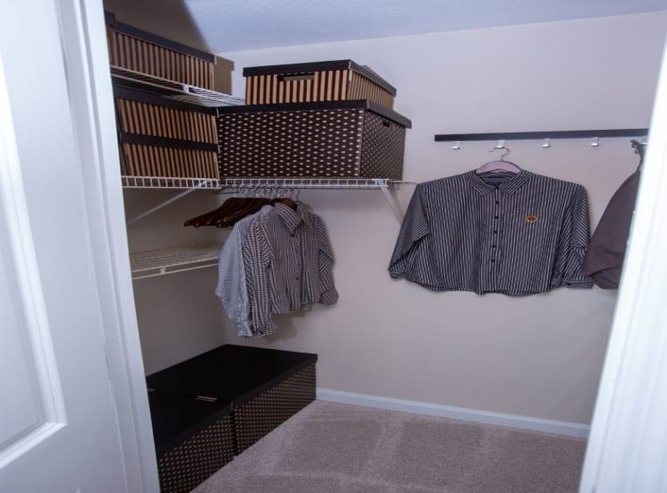 Walton at Columns Dr, East Cobb Marietta Walk-in Closets