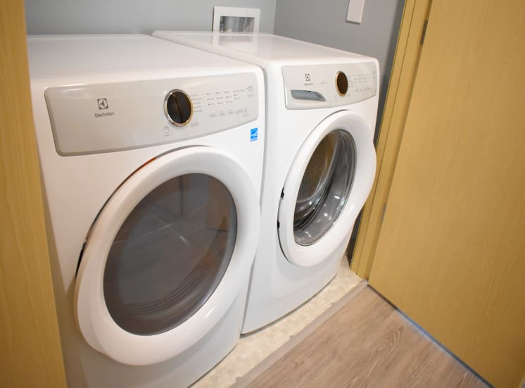 In Unit Washer and Dryer at Manor Way Apartments, Everett
