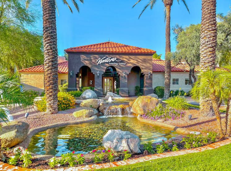 Lush mature landscaping at Ventana Apartment Homes in Central Scottsdale, AZ, For Rent. Now leasing 1 and 2 bedroom apartments.