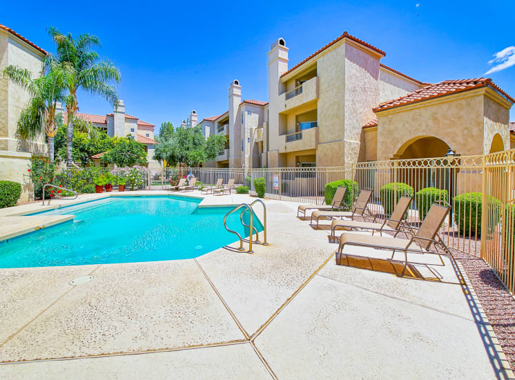 Huge swimming pool at Ventana Apartment Homes in Central Scottsdale, AZ, For Rent. Now leasing 1 and 2 bedroom apartments.