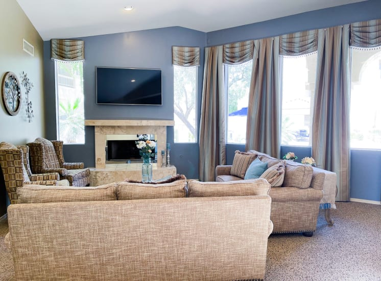 Air Conditioned Clubhouse sitting area at Ventana Apartment Homes in Central Scottsdale, AZ, For Rent. Now leasing 1 and 2 bedroom apartments.