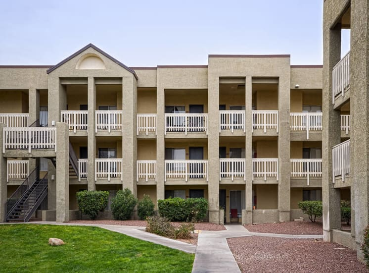 Large Balcony and Patios at Pavilions at Pantano in Tucson, AZ, For Rent. Now leasing 1, 2 and 3 bedroom apartments.