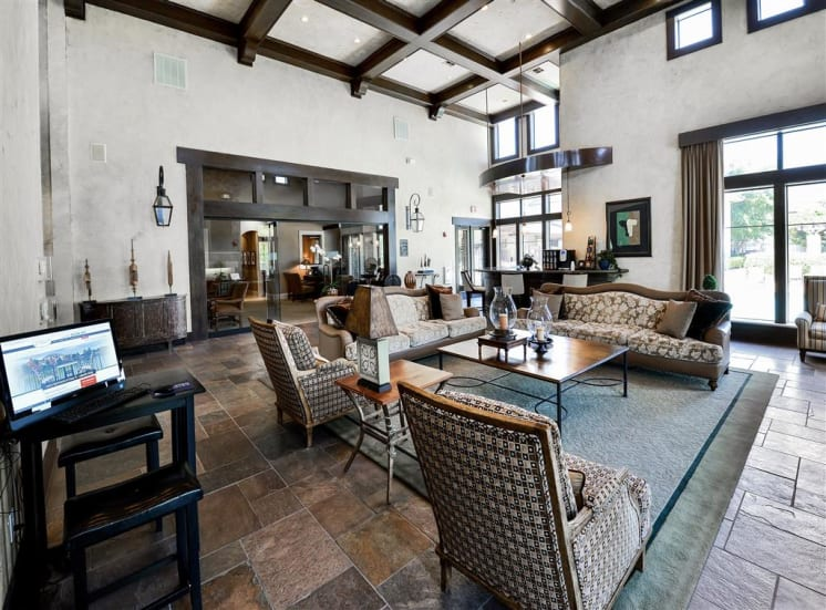 Spacious clubhouse sitting area in Cypress Lake at Stonebriar Apartments in Frisco, TX, For Rent. Now leasing 1, 2 and 3 bedroom apartments.