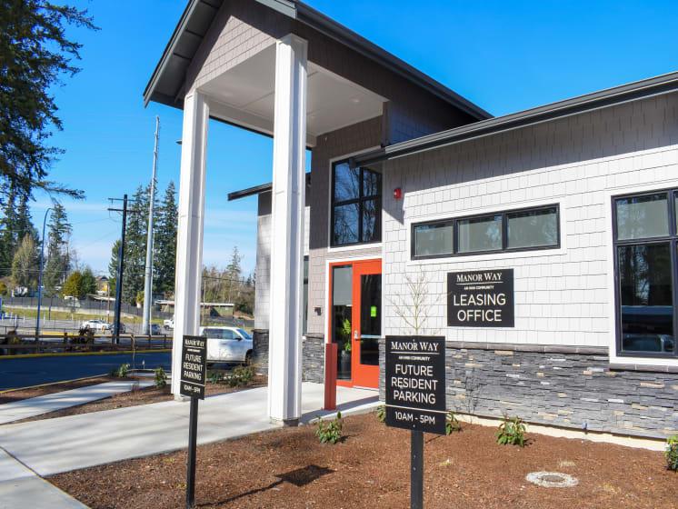 Manor Way Leasing Office Entrance in Everett, WA
