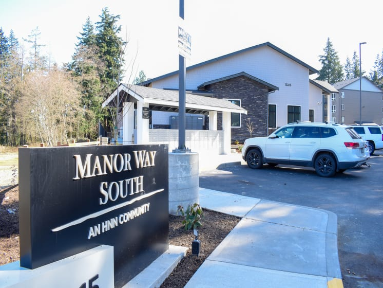 Manor Way South Sign in Everett, WA 98204