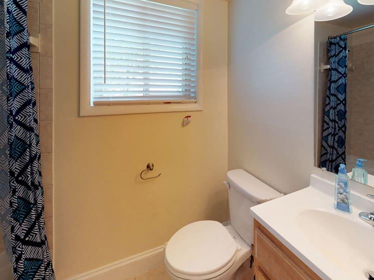 bathroom area within bren mar apartments