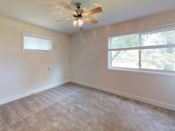 large rooms for apartment unit
