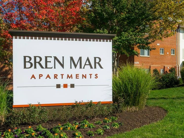 exterior sign for bren mar apartments
