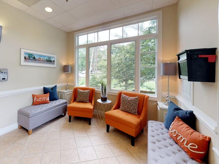 communal seating area at Woodlee Terrace Apartments, Woodbridge, Virginia