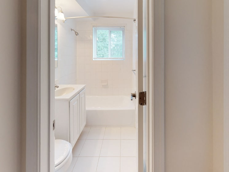 modern bathroom in unit at Woodlee Terrace Apartments, Woodbridge