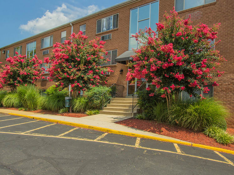 entrance to building at Woodlee Terrace Apartments, Woodbridge, VA, 22192