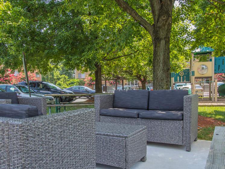 outdoor seating area at Woodlee Terrace Apartments, Woodbridge, Virginia