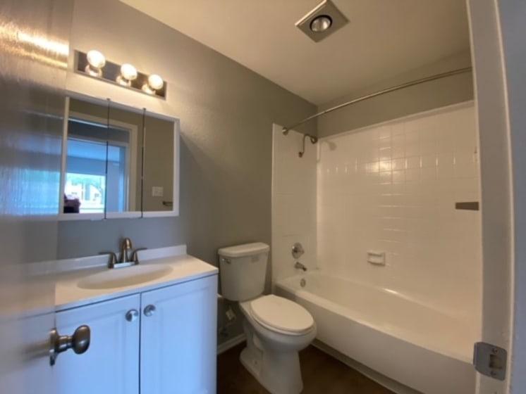bathroom in live oak apartments