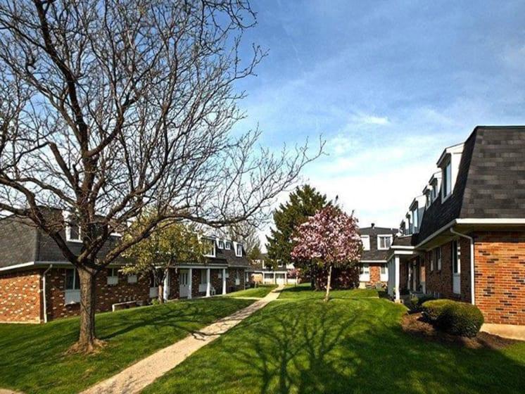 Beautiful Lawn Of Propertyat Dannybrook Apartments, Williamsville
