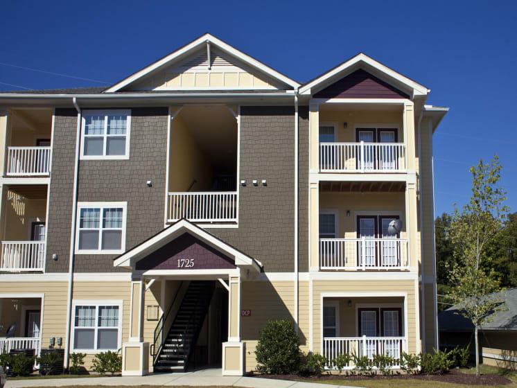 Resort Style Community at Phillips Mallard Creek Apartments, Charlotte, NC 28262