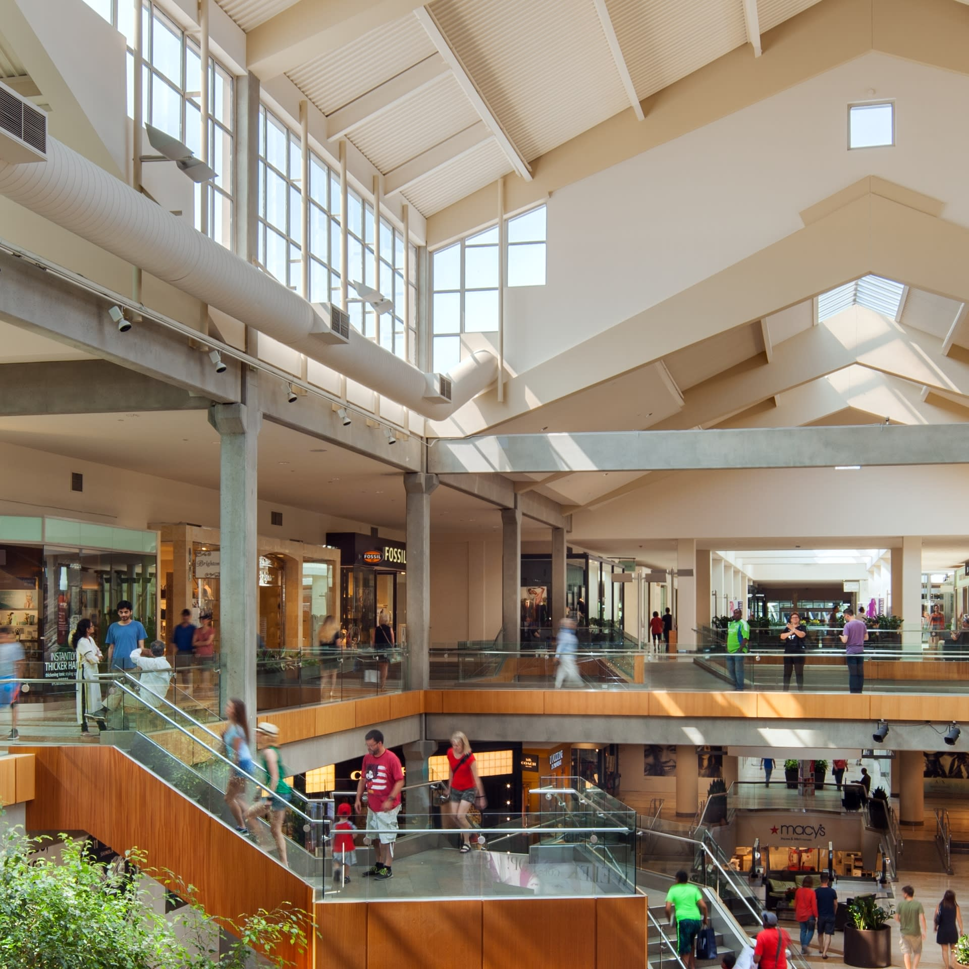 Community and Neighborhood- Shopping Center at Two Lincoln Tower, Washington