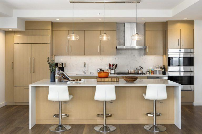 European-Style Kitchen With Breakfast Bar at Two Lincoln Tower, Bellevue, 98004