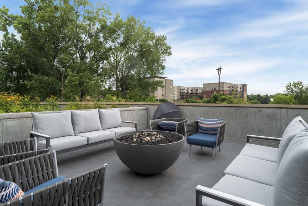 Large sitting area around the fire pit.