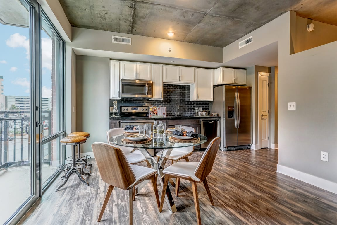 Fully Equipped Eat-In Kitchen at Aertson Midtown, Nashville, TN