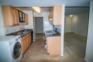Oakton Park Two Bedroom With Den 2A Kitchen 02