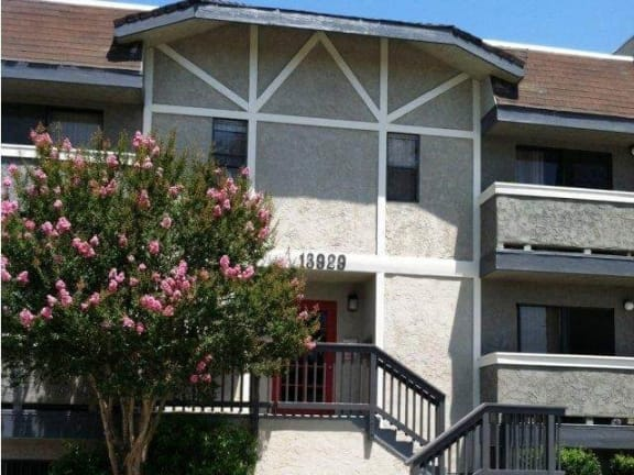 Vanowen Manor property image