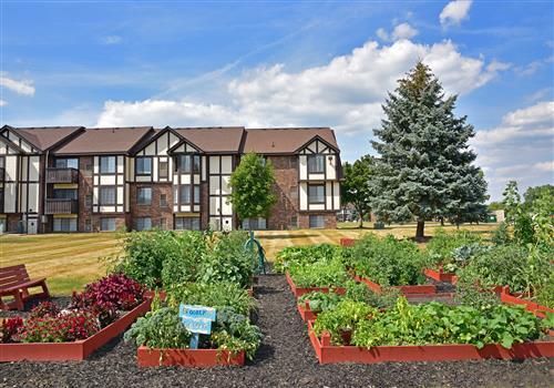 Charter Oaks Apartments property image