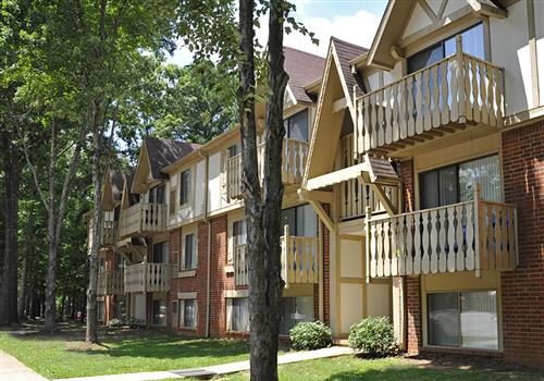 Laurel Woods Apartments property image