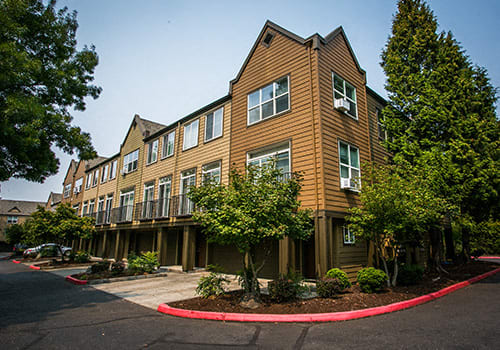 The Colonnade Luxury Townhome Apartments property image