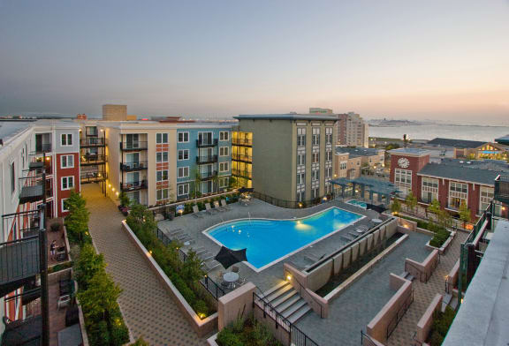 AVE Emeryville at Bay Street property image