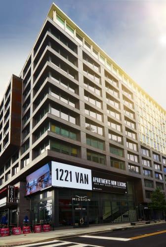 1221 Van property image