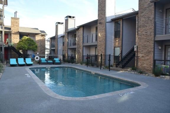 Lakewood on Henderson Apartments property image