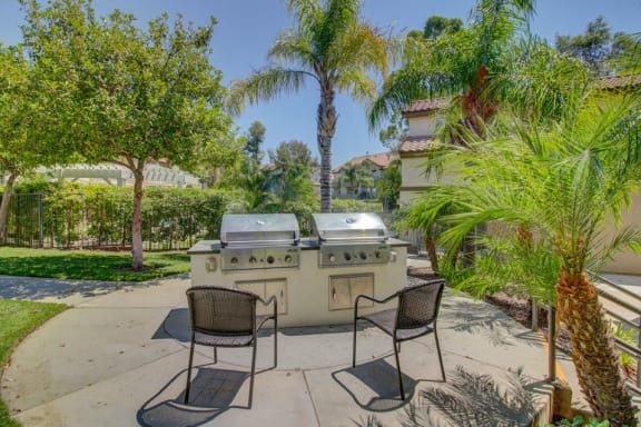 BBQ and picnic area at Legends at Rancho Belago, Moreno Valley, CA