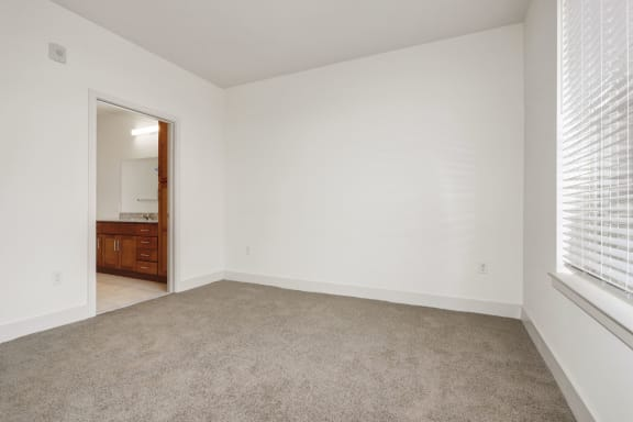 B2B Living room with window at Avenue Grand, White Marsh, Maryland