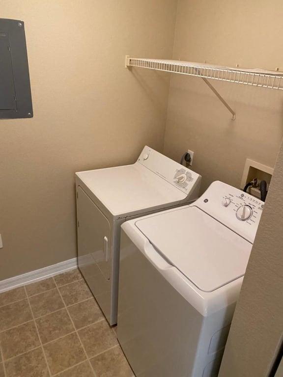 Convenient Laundry Room at The Palms Club Orlando Apartments, Orlando, 32811-2402