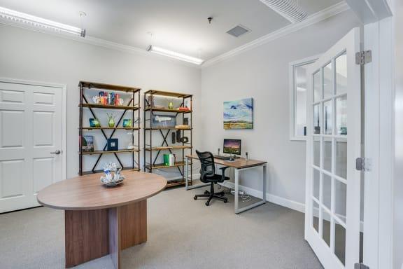 Resident Lounge Business Center