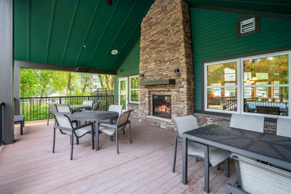 Outdoor Fireplace & Lounge