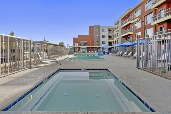 Pool at V on Broadway Apartments in Tempe AZ November 2020 (2)