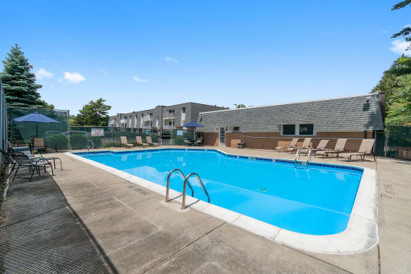 Taymil East Shore Apartment Homes Outdoor Pool