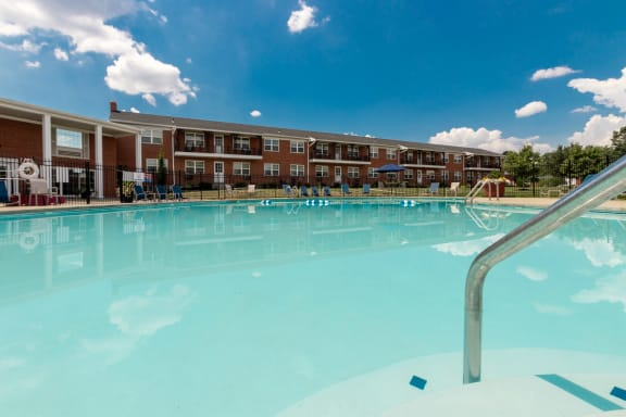 This is a photo of the swimming pool at Lake of the Woods Apartments in Cincinnati, OH.