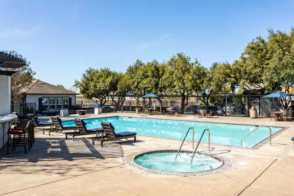 Refreshing Swimming Pool and Spa at Harvest Park Apartments