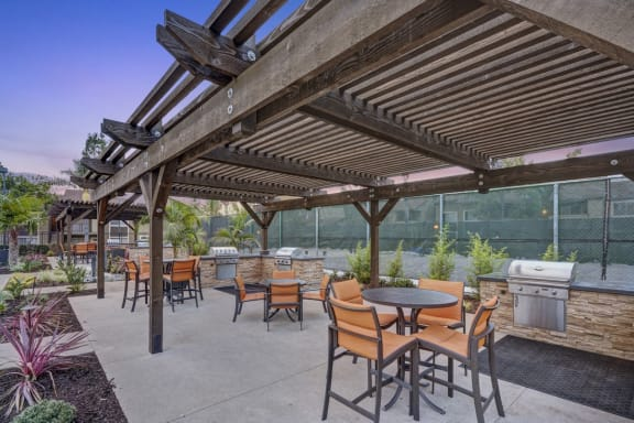 Outdoor BBQ and Kitchen with Dining Area, at Park Pointe, 2450 Hilton Head Place, CA