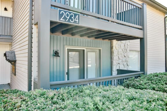outside of apartment building with private deck at Berry Falls Apartments, Alabama, 35216
